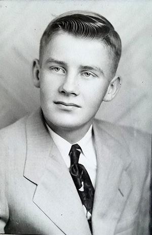 Sandford Olson headshot
