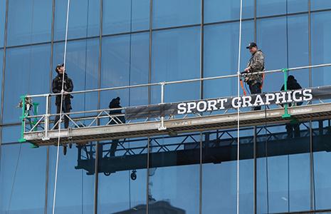 Alexander Rossi on JW Marriott scaffolding