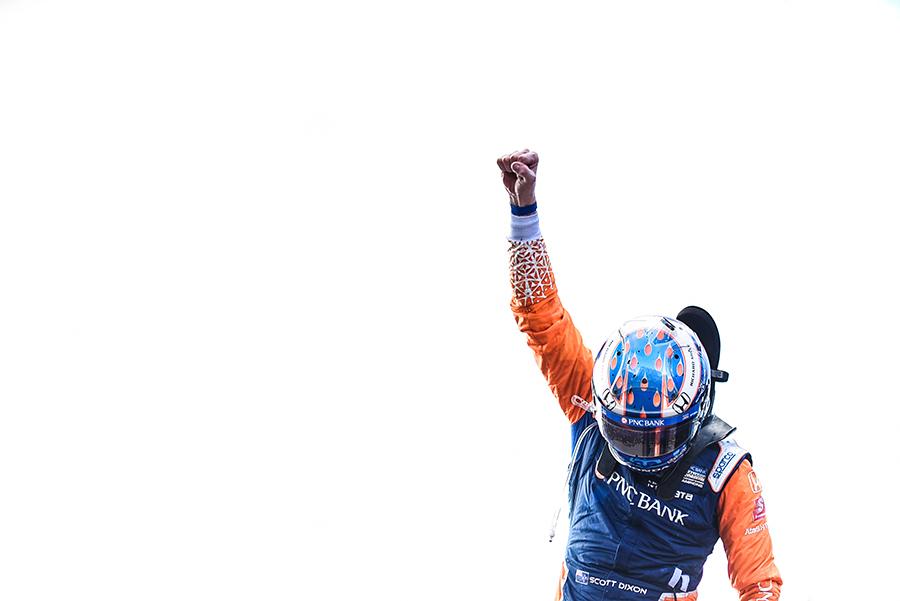 Dixon celebrates championship