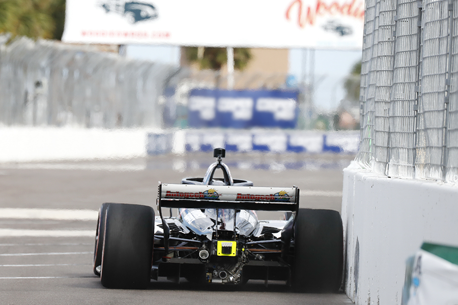 Rinus VeeKay gets close to a wall at St. Pete.