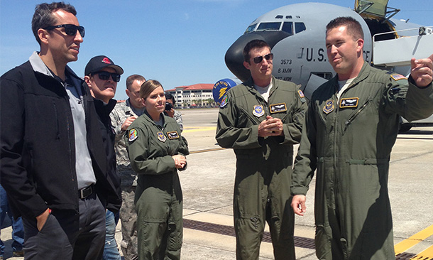 Justin Wilson and Scott Dixon visit Air Force base