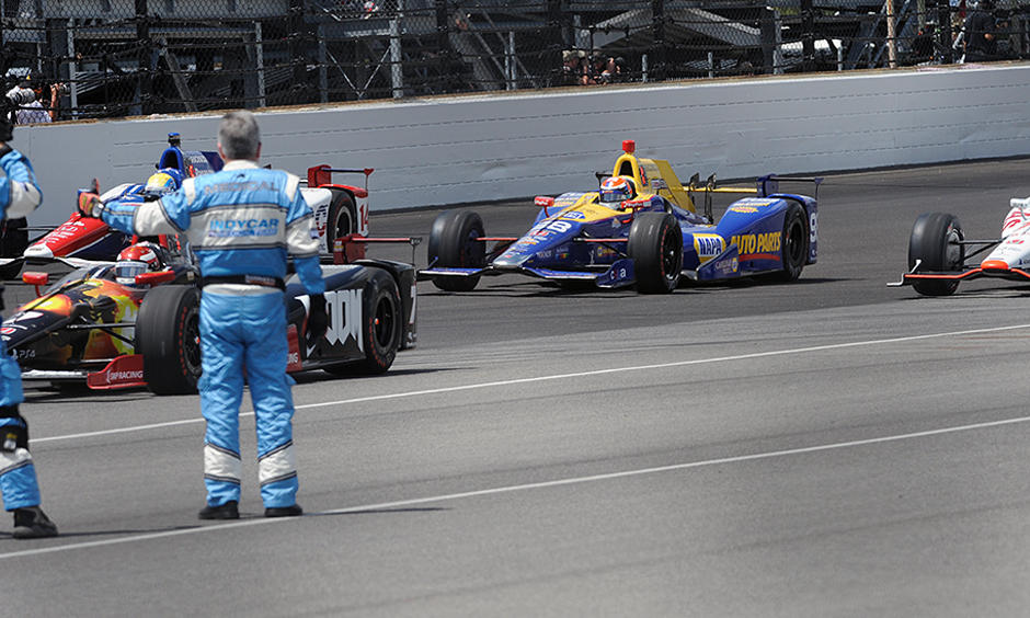 How Many Laps In Indy 500 >> Rossi S 2016 Indy 500 Journey Taking The Risky Fuel Gamble