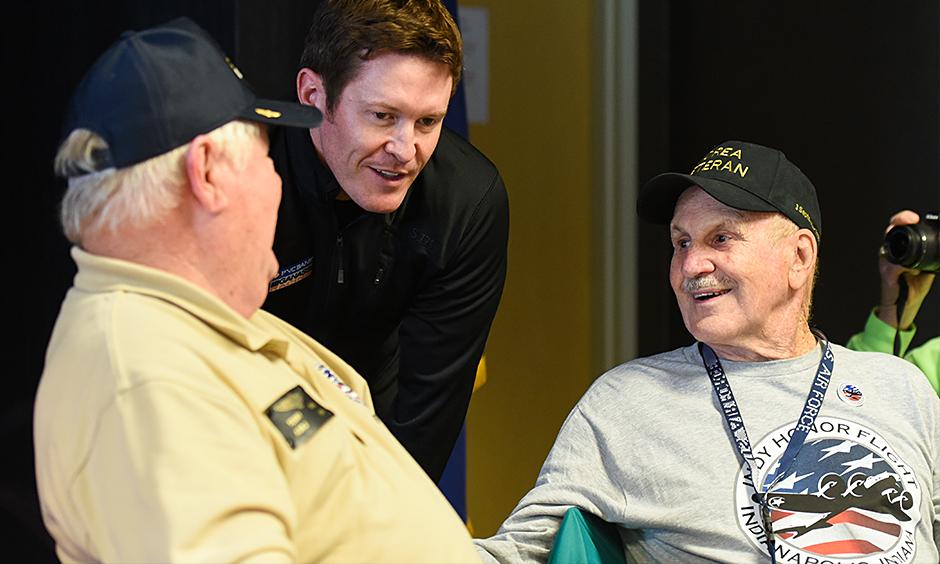 Scott Dixon with Indy Honor Flight Veterans
