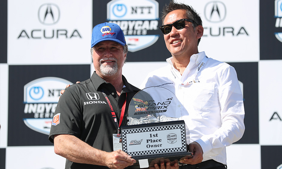 Michael Andretti winning owner's trophy Long Beach