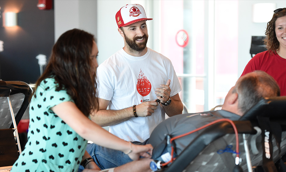 James Hinchcliffe blood drive