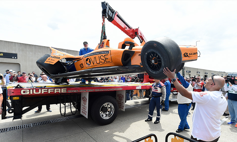 Fernando Alonso crashed car