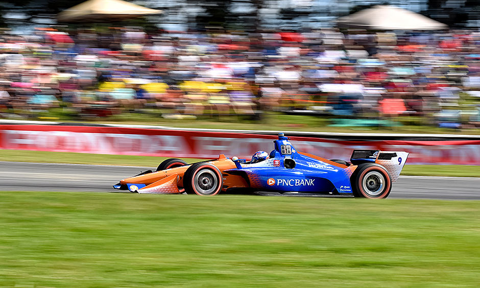 Scott Dixon on course.