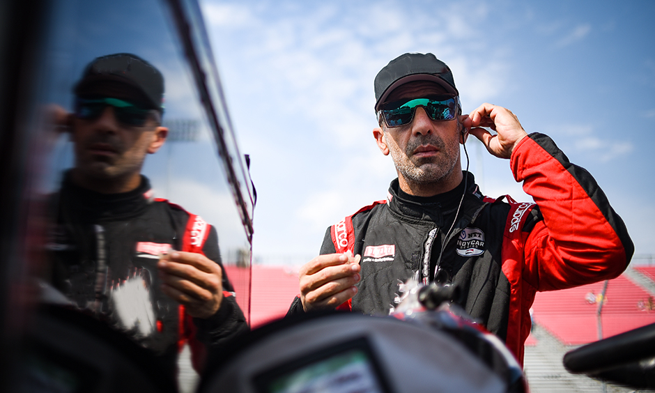 Tony Kanaan reflection