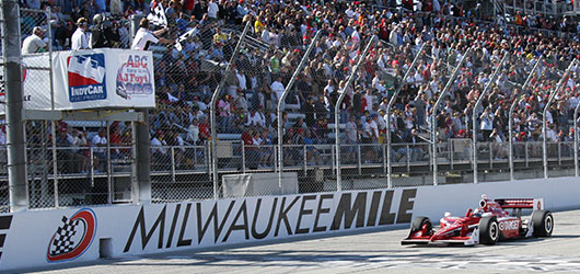 Scott Dixon wins Milwaukee