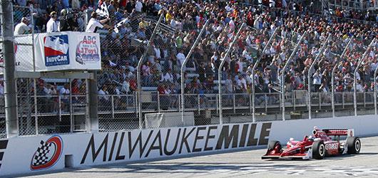 Scott Dixon wins Milwaukee
