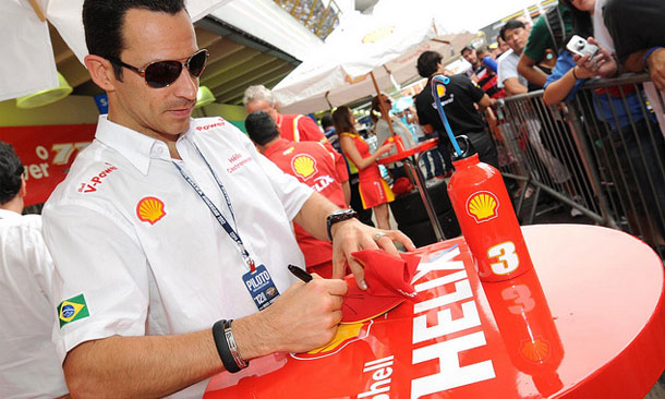 Castroneves signing autographs in Brazil